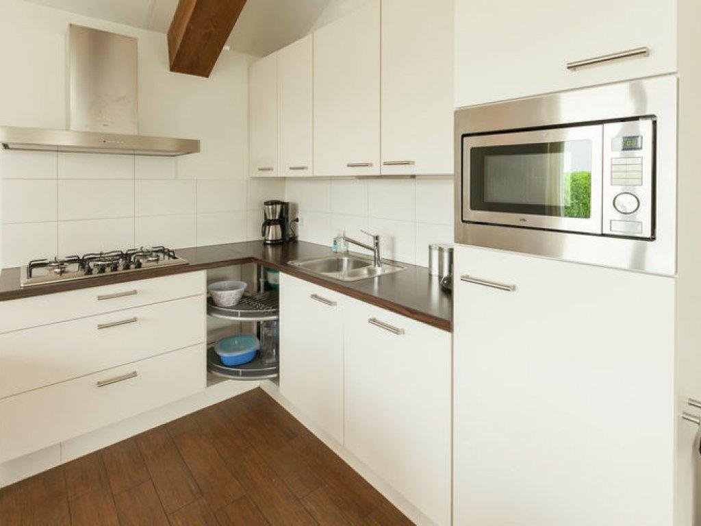 Keuken bij eetkamer